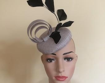 Grey pillbox.grey percher hat.Grey wedding hat.grey wedding hats.Ascot hat grey.Ascot hats grey.wedding hats grey.Wedding hat grey.Ascot hat
