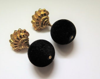 Vintage Art Deco Style Clip on Earrings/ Ear Clips With Velvet, Black and Gold Earrings