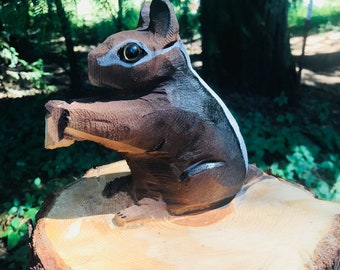 Chipmunk chainsaw carving
