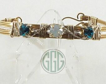 Bracelet - Emerald Green & Opulant Opal Rhinestones Set In Gold And Silver (B022)