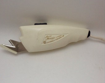 Vintage Aunt Mary's Electric Scissors