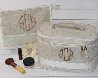 Monogram Makeup Bag - Train Case - Toiletry Bag - Cosmetic Bag - Graduation Gift - Bridesmaid Gift