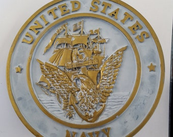 """Vintage United States Navy resin plaque, unknown application or usage. 6"""" in diameter"""