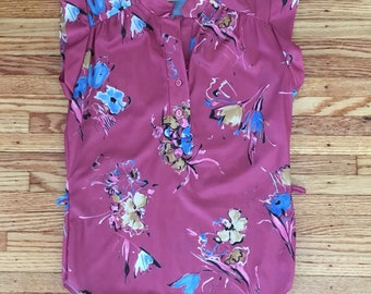 70's Size Small Dusty Rose Floral Sleeveless Blouse
