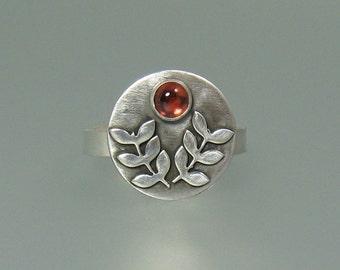 Laurel leaf statement ring, woodland leaf ring, nature inspired garnet ring, January birthstone boho nature ring, forest leaf ring