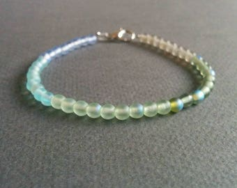 Mermaid. Delicate glass bracelet. Free shipping.