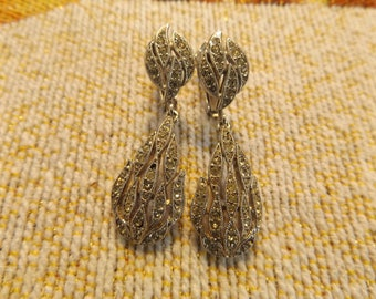 Vintage Rhinestone Drop Screw/Clip On Earrings