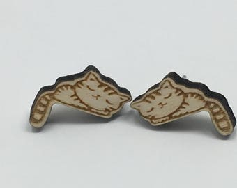 Sleeping cat stud earrings. Wooden laser cut.