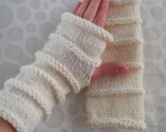 KNITTING PATTERN/ OSLO/ Fingerless Gloves / Easy Glove Pattern/ 3 Sizes 3 Lengths /Knit STraight /AranWorsted/Simple Glove Pattern/Easy