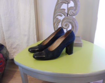 Leather pumps size 38.5 en (US 7) CHANEL