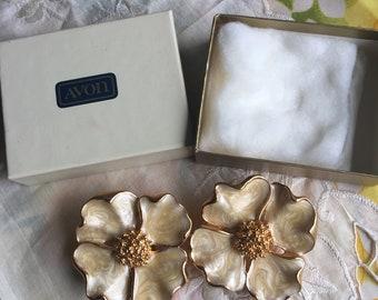 NIB Vintage Avon Dogwood Blossoms Clip Earrings