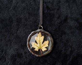 Real field maple leaf pendant. (Acer campestre) necklace. Handmade, rustic. Maple leaf caught in resin. Round jewel natural resin pendant.