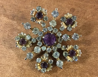 Starburst Floral Royal Purple Amethyst and Clear Rhinestone Brooch Pin Unsigned Prong Set Gold Tone Petals Setting Snowflake