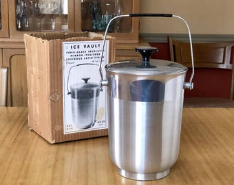 Vintage Ice Bucket with Lid and Handle, Ice Vault 3 Quarts, Made in Italy, Fiber Glass Insulated, Mirror Polished Finish