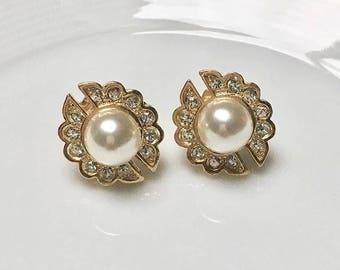 VINTAGE SPHINX - flower bead pierced earrings