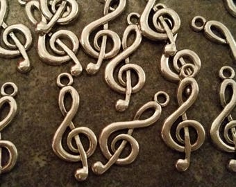 5 charm silver music notes