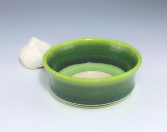Green Garlic Grater, Ceramic Garlic Bowl, Porcelain Oil Dipping Bowl, Ombré Garlic Bowl, Ceramic Garlic Dish, Pottery Garlic Bowl, Oil Bowl