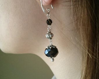 Vintage dangle black and silver earrings.Leverback Earrings.
