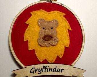 "4"" Gryffindor Embroidery Hoop Ornament"
