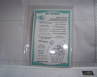 Hey Cupcake!  by Jaded Blossom