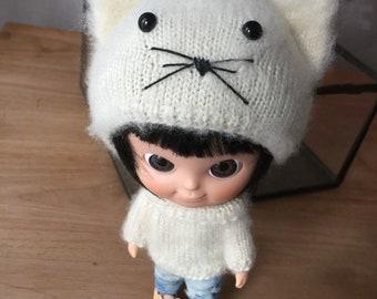Mini Mui-chan Kitty hat and sweater  off white