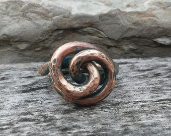 Copper Ring / Size 6 / Rustic Hammered Textured Copper Swirl Ring / Hammered Patina Copper Knot Ring /Womens Copper Ring / Copper Jewelry