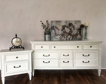 SOLD-If your looking for something similar please message me for details!!Vintage Dixie dresser and nightstand