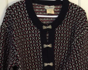 LL Bean Nordic Wool Cardigan with Silvery Toggles Size L/XL.