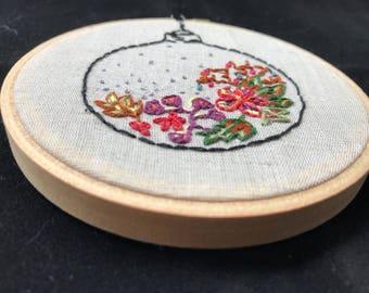 Portable flower garden - embroidery hoop art