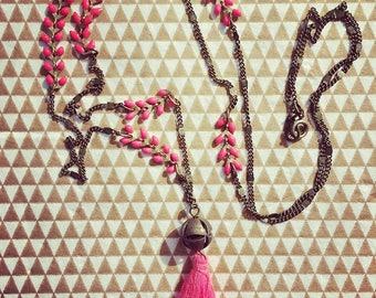 "Necklace model ""Aurélie"" herringbone chain and tassel"