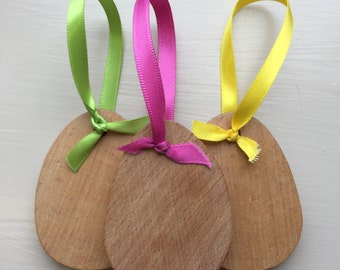 Set of three oak eggs