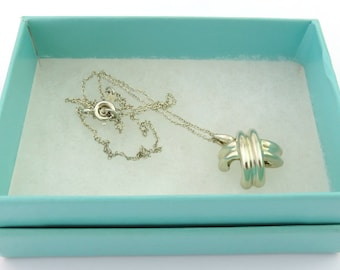 Authentic TIFFANY & CO Sterling Silver Signature Kiss X Pendant Necklace
