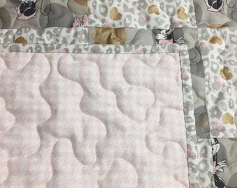 Minnie Mouse Baby Girl Quilt/Girl Quilt/Minnie Mouse Metallic Blanket/Baby Girl Nursery/Baby Shower Gift