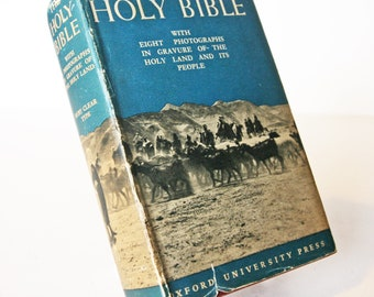 Vintage Holy Bible 1938 Christian religious old book Hardback Antique bibles Photographs