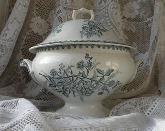 Small French antique ironstone tureen, vintage soup tureen, shabby chic soupiere, Nordic decor, floral transferware, French country home.