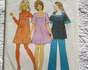 Retro 1972 STYLE Sewing Pattern 3838