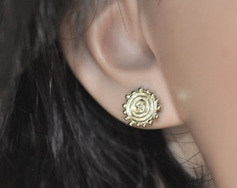 Post Gold Earring , 14k Gold Post Earrings , Gold Stud Earring , 14k Gold Stud Earrings , 14k Gold Everyday Earring , Spiral Gold Earrings