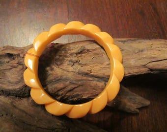 Bakelite Bangle Yellow Twist