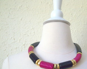 THE DONNA- Cool 1980s Bold and Chunky Vintage Color Block Op Art Mod Necklace in Gold Black and Fuschia Pink