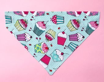 Sweet Tooth | Over the Collar Dog Bandana | Pet Bandana | Dog Scarf | Dog Gift | Cat Bandana | Cupcakes | Frosting