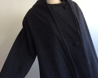 Cashmere/wool blend Charcoal grey shawl/cape coat womens size 8 made in Austria