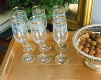 Gold Rimmed Wine Glasses, Vintage Wine Glasses,Stemmed Wine Glasses,Vintage Serving,Entertaining,Wine Glasses