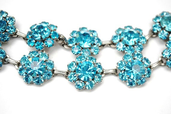 Blue rhinestone bracelet - double strand Link  -  Rhinestone flower - mid century - light baby blue bangle