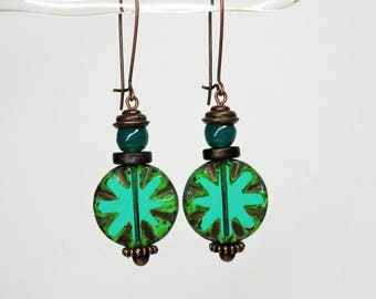 """""""Emerald Sylves"""", earrings dangle rustic Rodes green Emerald beads, woodland copper Leverback Earrings"""