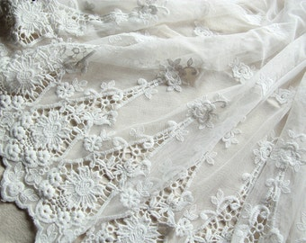 """White Rosy Lace Fabric Embroidered Bilateral Scalloped Edge 47""""  Veil Gauze Tablecloth 1 Yard L0316"""