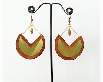 Round wood and brass earrings