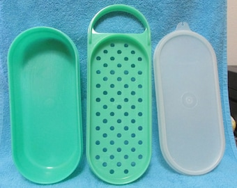 Vintage Tupperware Mini Cheese & Vegetable Grater with lid   TOTE 1