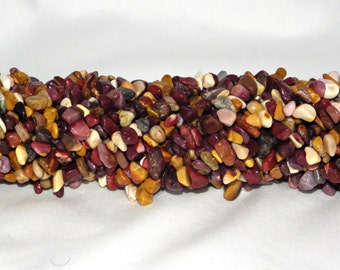 "Mookaite Chip Beads 5-8mm - 35"" string"