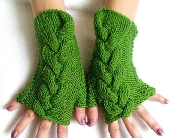 Wrist Warmers Fingerless Mittens Grass Green Cabled Acrylic