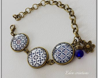 China Blue bracelet, glass cabochon, ceramic